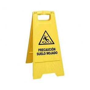 Señal amarilla peligro suelo mojado