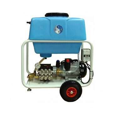 Hidrolimpiadora con depósito de servicio contínuo
